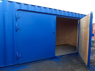 CONTAINER CONVERSION CASE STUDIES 20ft extra wide side doors and ramp CS27928