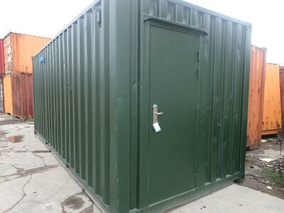 CONTAINER CONVERSION CASE STUDIES 20ft ply lined with non slip floor plate CS30307