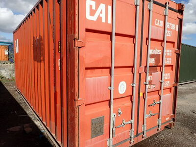 SHIPPING CONTAINERS 20ft S2 doors 32699