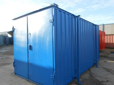 SHIPPING CONTAINERS 18ft S1 with bike hooks 24254