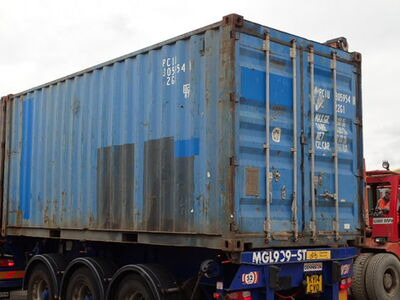 SHIPPING CONTAINERS 20ft original 32656