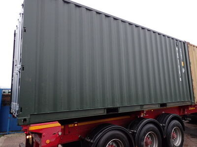 SHIPPING CONTAINERS 20ft ISO green MTBU2102876
