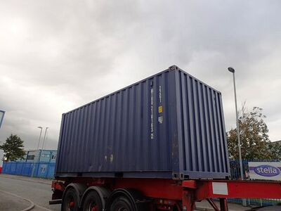 SHIPPING CONTAINERS 20ft ISO green MTBU2101632