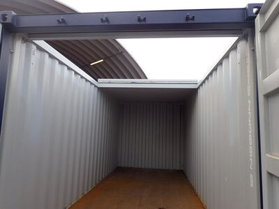 SHIPPING CONTAINERS Used 20ft with sliding roof