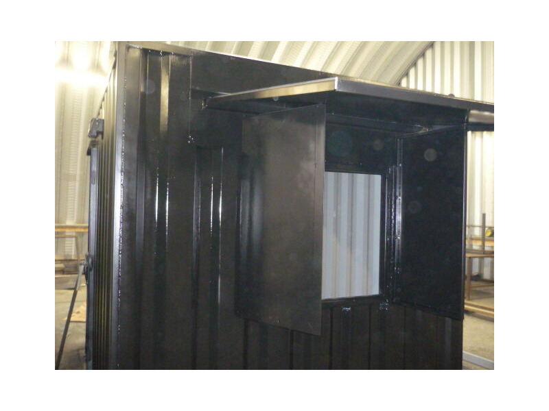 CONTAINER CONVERSION CASE STUDIES 10ft - roller shutter CS24557 click to zoom image