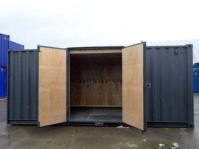 CONTAINER CONVERSION CASE STUDIES 15ft + 2 x 20ft side doors, ply lined