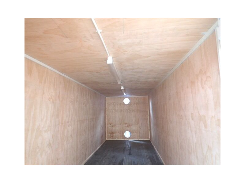 CONTAINER CONVERSION CASE STUDIES 25ft ply lined with electrics CS32943 click to zoom image