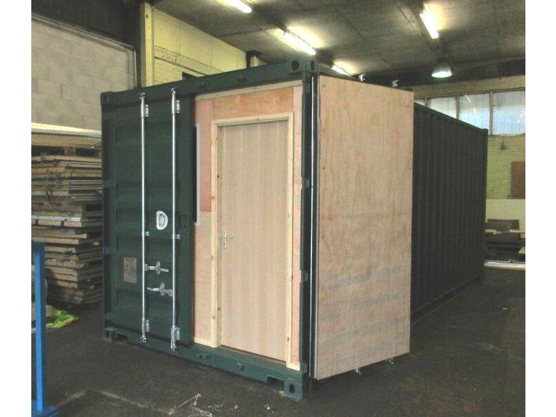 CONTAINER CONVERSION CASE STUDIES 20ft laboratory CS35772 click to zoom image