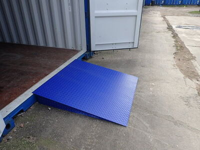 SHIPPING CONTAINERS 4ft x 4ft container ramp - 3 tonnes click to zoom image
