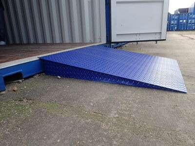 SHIPPING CONTAINERS 4ft x 4ft container ramp - 5 tonnes