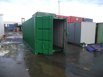 SHIPPING CONTAINERS 25ft S2 doors