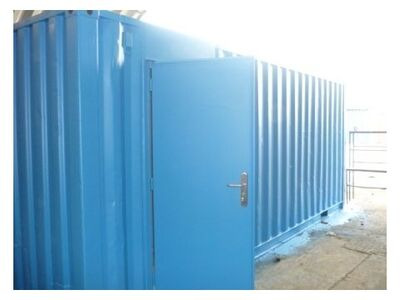 SHIPPING CONTAINERS 20ft S2 with additional personnel door HL1A
