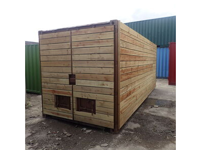 SHIPPING CONTAINERS 10ft once used cladded container - Clean Cut CLO10