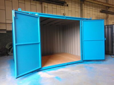 SHIPPING CONTAINERS 14ft x 11ft centre doors 15383