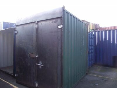 SHIPPING CONTAINERS 10ft high cube S1 doors 62276
