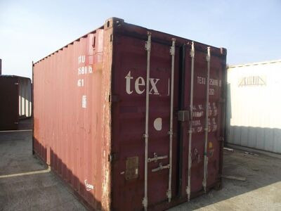 SHIPPING CONTAINERS 15ft original doors 33183