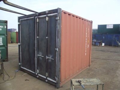 SHIPPING CONTAINERS 10ft S3 doors 30179