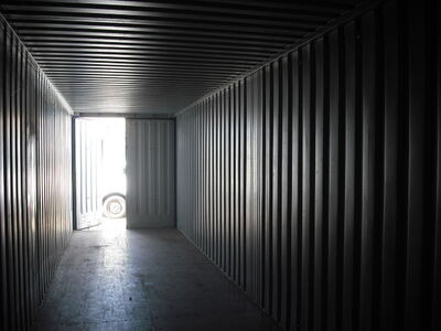 SHIPPING CONTAINERS 40ft high cube S1 doors 65410